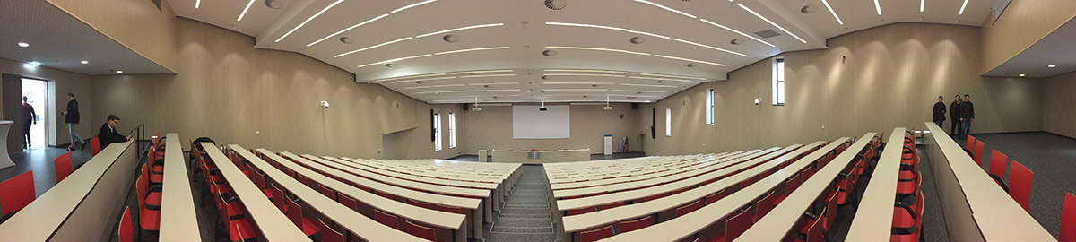 prednášková aula FIIT