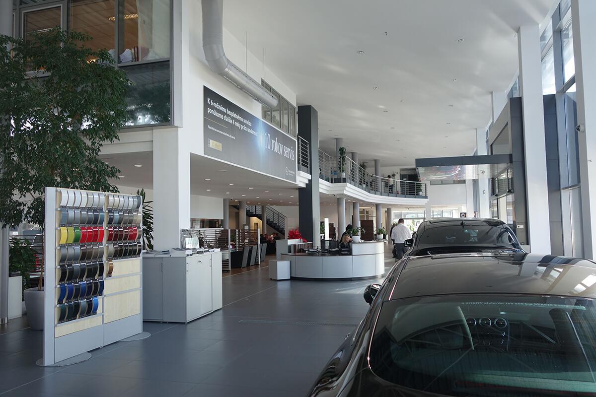 showroom mercedes