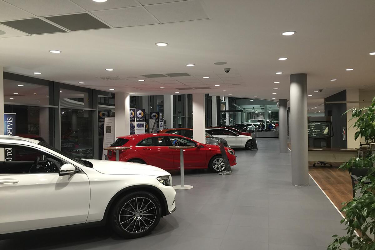 showroom vstup mercedes-benz