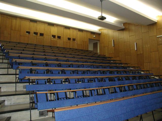 slovenská zdravotnícka univerzita prednášková sála