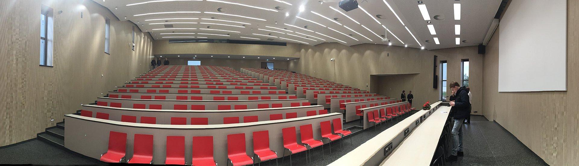 Aula fakulty informatiky a informačných technológii