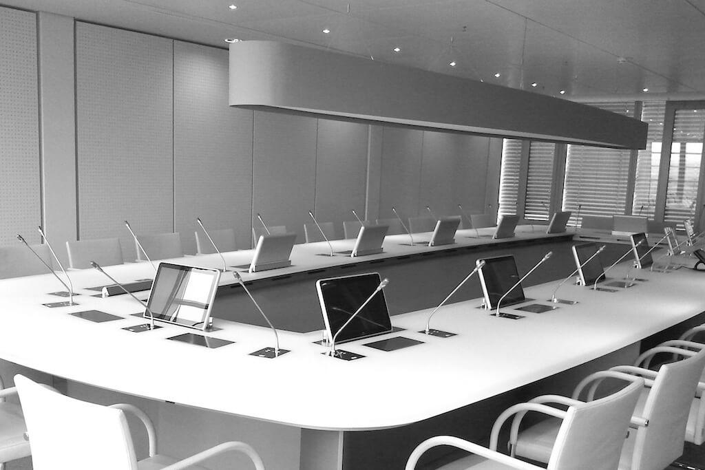 Arthur Holm - meeting room