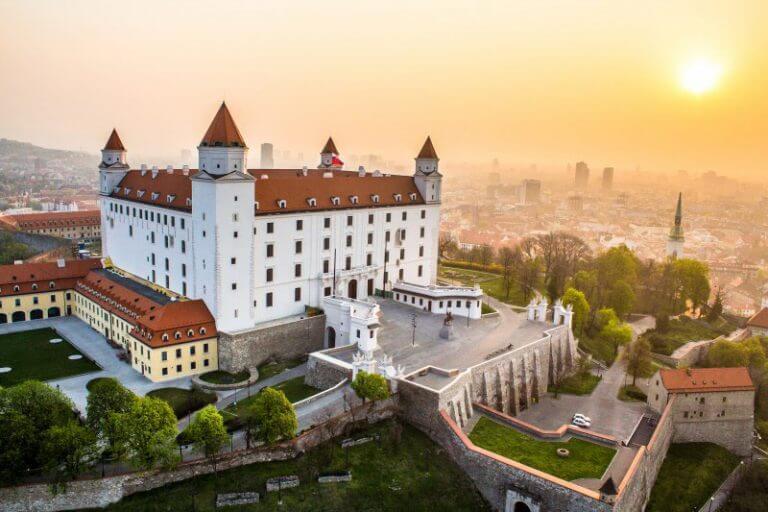 Ozvucenie Bratislavskeho hradu - MediaTech