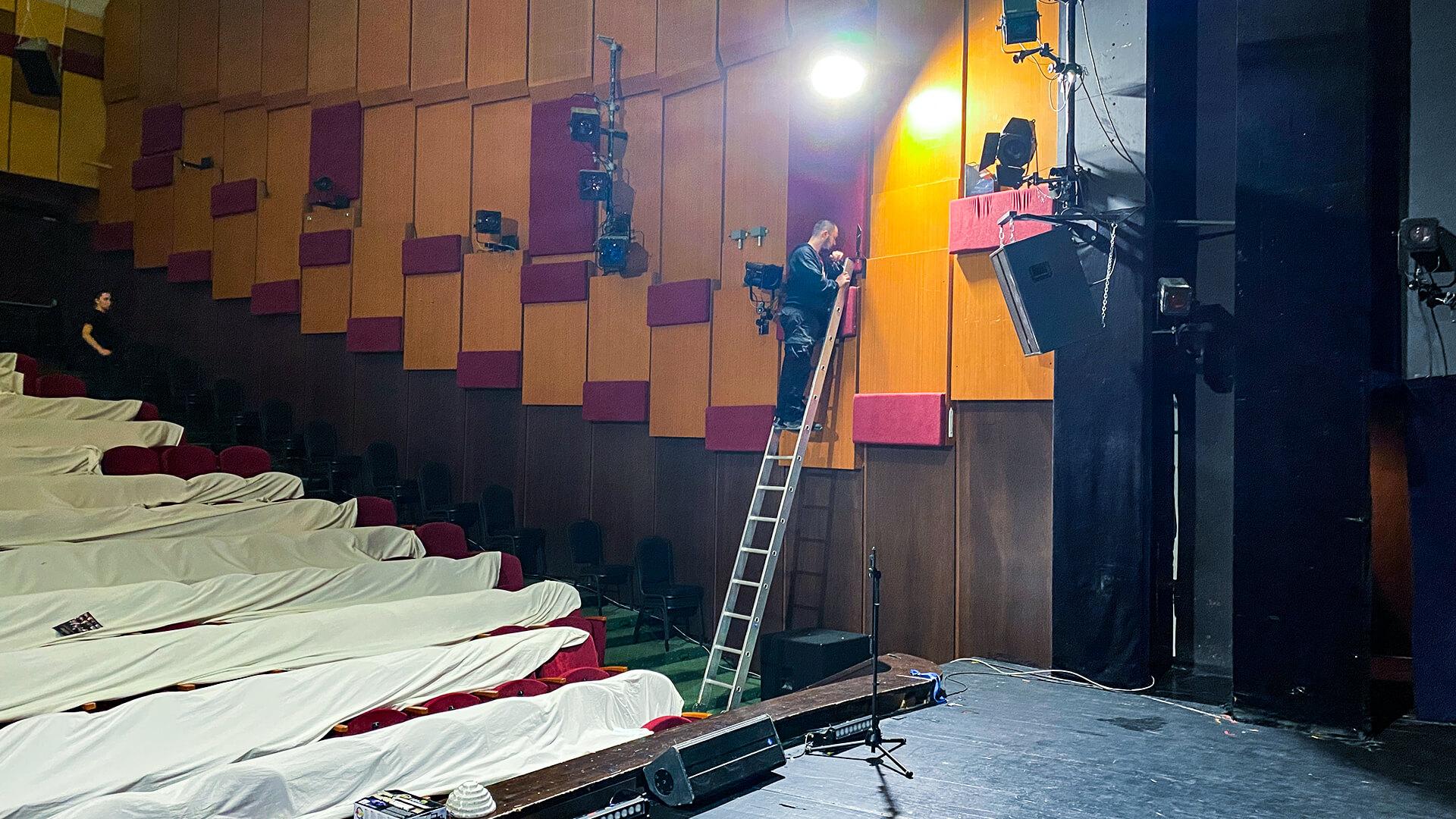 Jókaiho divadlo hladisko akustika