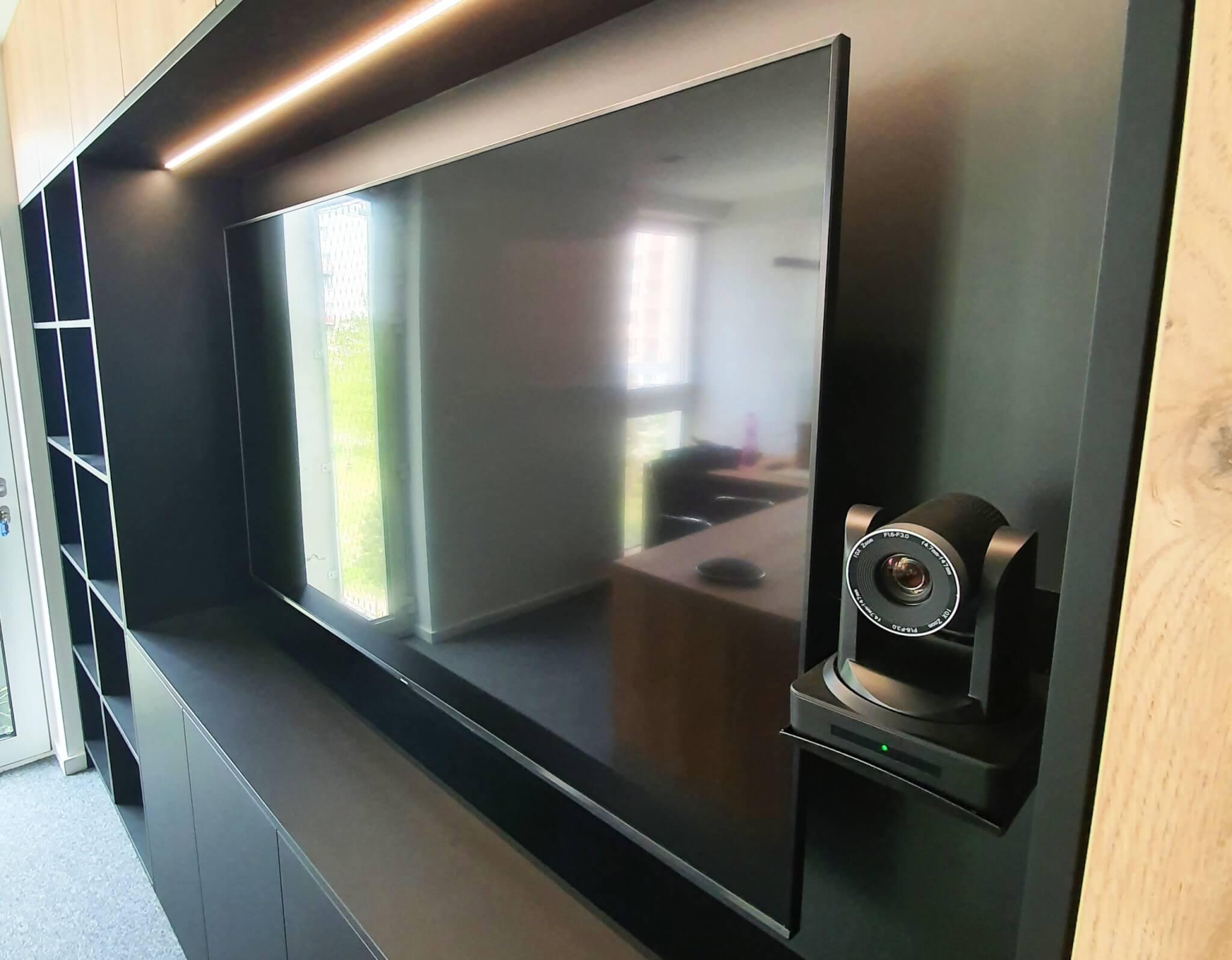 Profesionalna-videokonferencna-kamera-Atlona